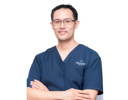 Bác sĩ Albert Việt Lê
